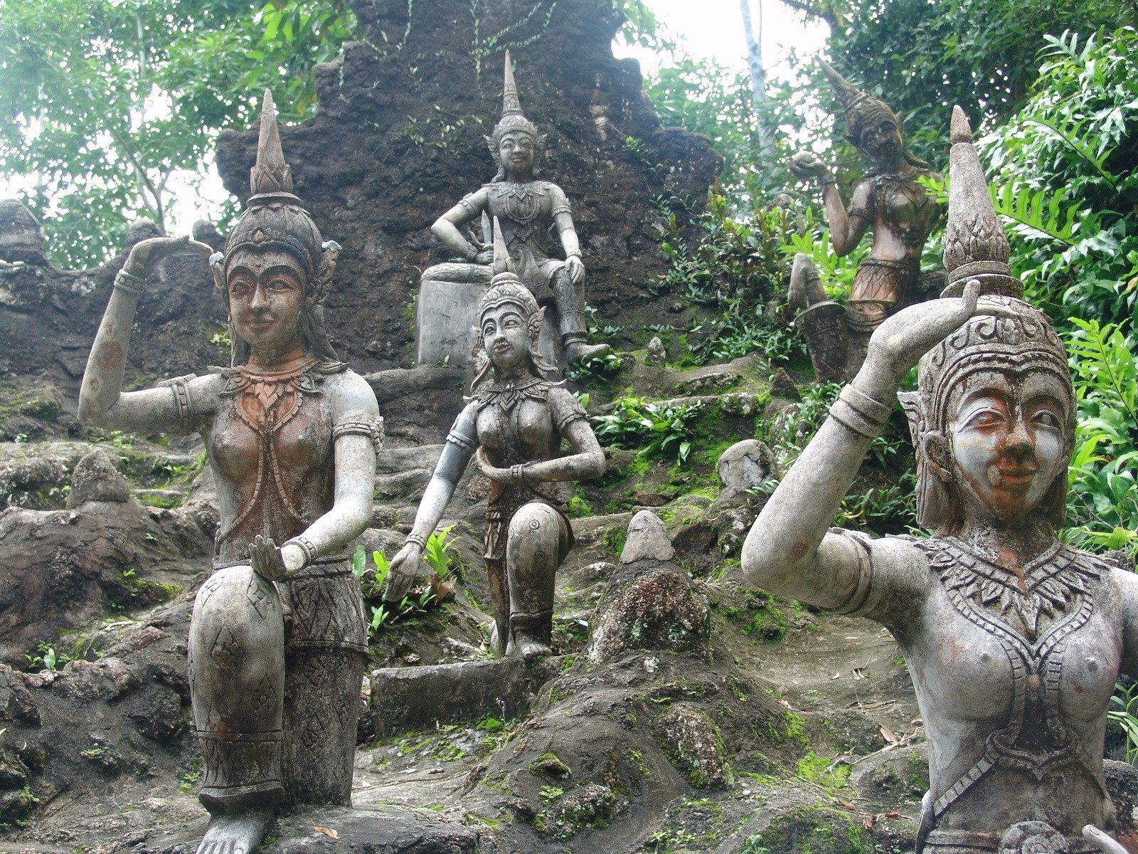 Asiatische Skulpturen Heilpraktikerin Birgit Welc